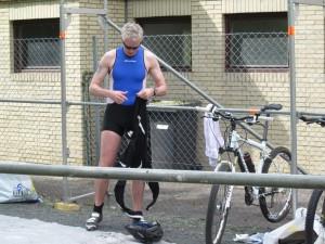 In der ersten Wechselzone - nach dem Schwimmen aufs Rad